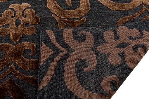 India Damask deep brown/blackvloerkleed Brokking Vloerkledenspecialist.nl IJsselstein