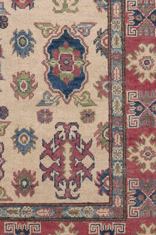 Classic design Pakistan detail   Brokking Vloerkledenspecialist
