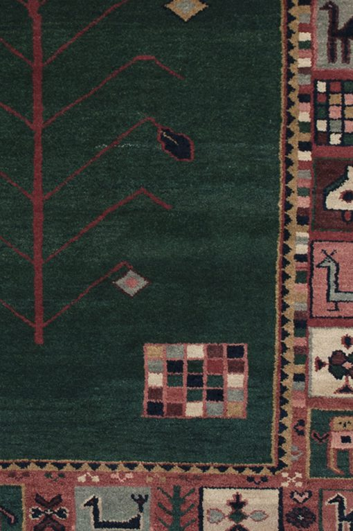 Traditional Gabbeh vloerkleed detail   Brokking Vloerkledenspecialist