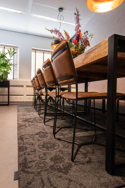 Zuidas vergaderruimte met vloerkleed Desso
